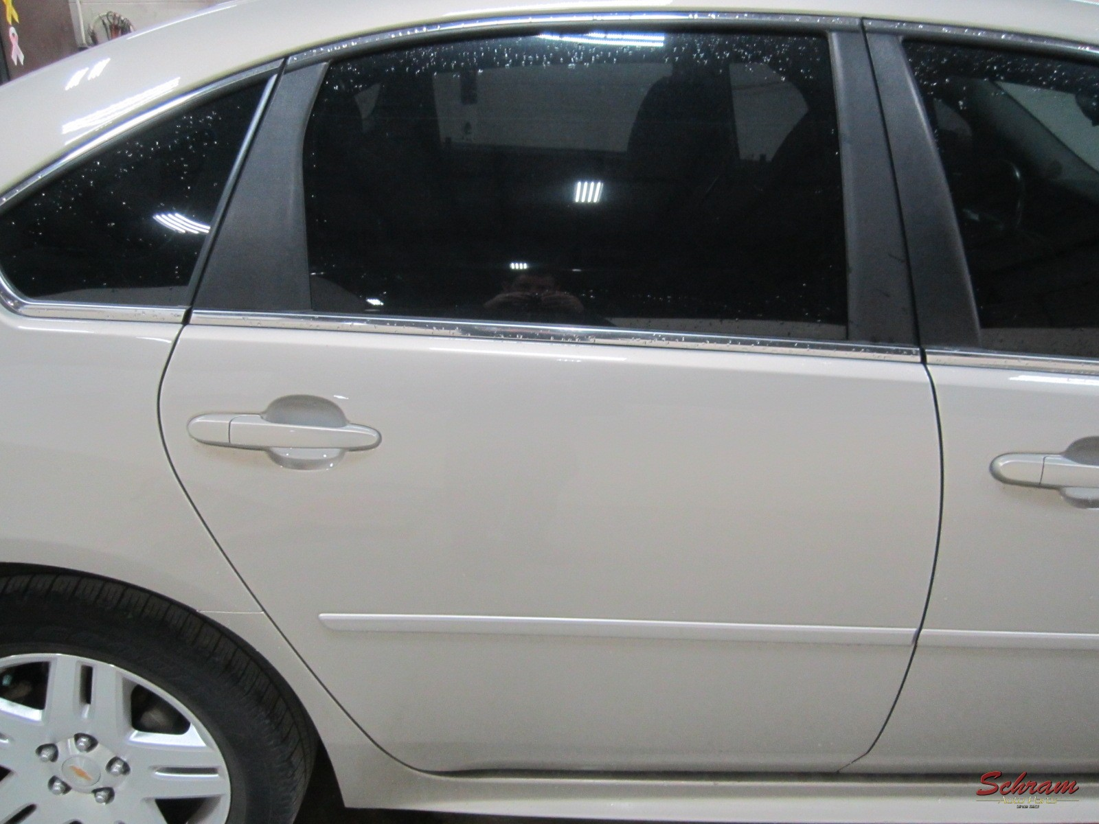 2011 IMPALA Door Assy, Rear R.